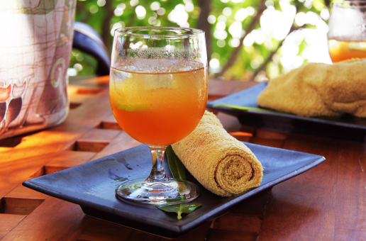 5 Orange Coloured Juice Recipes for Health and Happiness